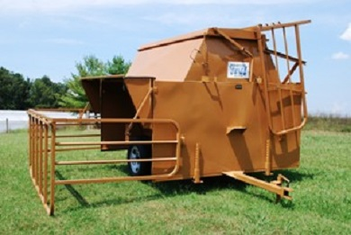Dixie Classic HD Creep Feeder  with Panels. Single-axle 8ft 160bushel complete